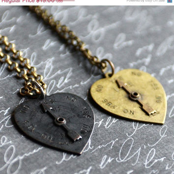 "SALE 1950's Vintage Style Love ""Yes or No"" Heart and Arrow Spinner Necklace"