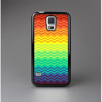 The Rainbow Thin Lined Chevron Pattern Skin-Sert Case for the Samsung Galaxy S5