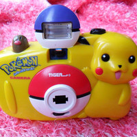 Vintage 90s Retro Pikachu Pokemon Camera