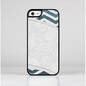 The Peeled Vintage Blue & Gray Chevron Pattern Skin-Sert Case for the Apple iPhone 5c