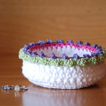 Ring dish, crochet bowl, white crochet basket, jewelry box, change tray, trinket holder, jewelry dish, boho decor, Easter bowl, Spring decor