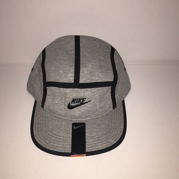 Nike - AW84-Fleece Tech Pack Strapback Cap (688785 063) Brand New with tags