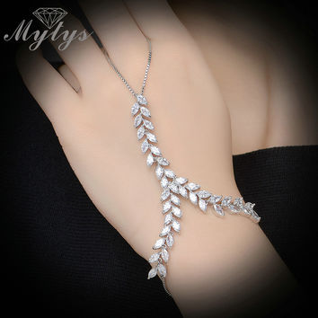 Mytys Fashion Trendy Slave Bracelet Ring Hand Palm Bracelet Connected Finger Ring Zircon Vine Leaf Chain Bracelet with Ring R979