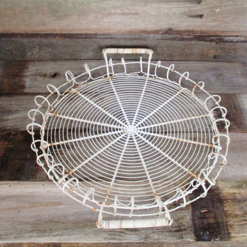Vintage Large Round Wire Basket Vintage White Metal Wire Tray Shabby Chic Basket Breakfast Tray Industrial Wire Basket Vintage Serving Tray