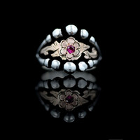 Decorative Flower Ring in Ruby Red - Hyo Silver