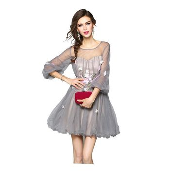 New Quality Illusion O-neck Three Quarter Sleeves Tulle Cocktail Dresses Flowers Gray Short Party Ball Gowns