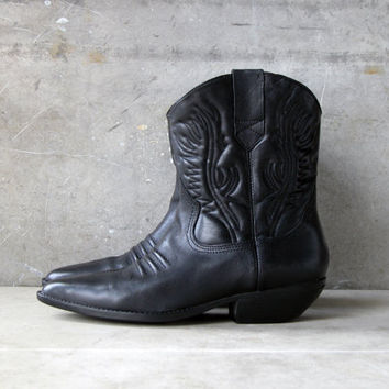 Vintage Women's Cowboy Boots in Black: Size 10