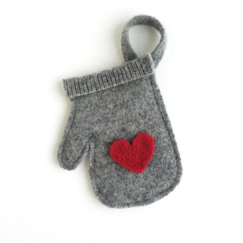 Felted Wool Gray w/Red Heart Mitten Christmas Gift Card Holder / Ornament, Upcycled Recycled, Green Christmas Decoration, Valentine's Day