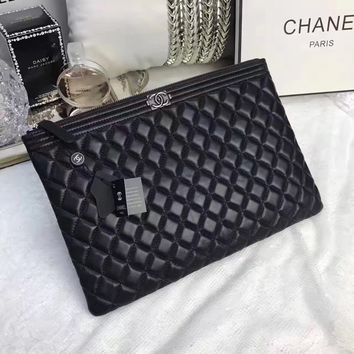 CHANEL WOMEN'S NEW STYLE LEATHER ZIPPER HAND BAG