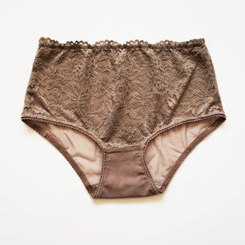 Light Brown Hipster style panties with lace elements. handmade knickers. Egretta Garzetta lingerie