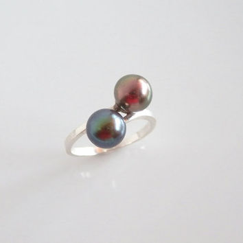 Twin Pearls Orbit Ring - Freshwater Pearl Ring - Sterling Silver Double Pearls - June Birthstone Large Pearl Ring - Black Pearl Jewelry - 8