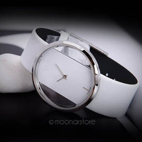 Transparent Hollow-Out Ladies Watch Analog Quartz Watch Women Black White Wrist Watch = 1931666692