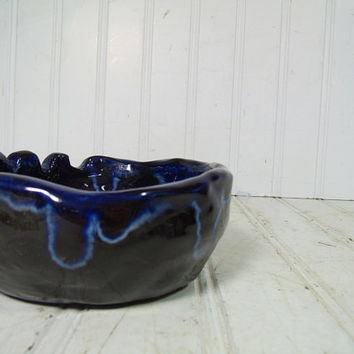 Vintage HandMade Ceramic Funky Pottery Bowl - Groovy Tie Dye Navy Blues Shades Glazed Ash Tray - Retro Shop Class Pottery Project Party Bowl