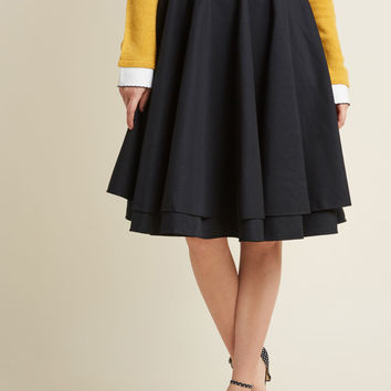 Essential Elegance Midi Skirt in Black