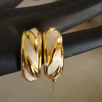 Vintage Creamy White Enamel/GP 80s Hoop Earrings