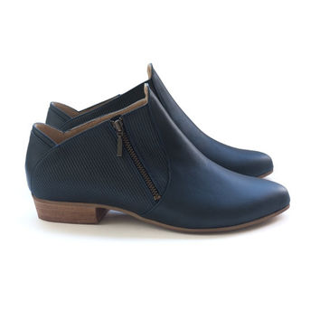 Sale! 30% off! Dark Blue Gilly  Shoes. Women flats. Handmade leather shoes. Free shipping.