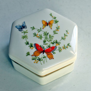 Vintage hexagon shaped jewelry/trinket box by Shafford of Japan - Hand painted butterfly design with gold hinges