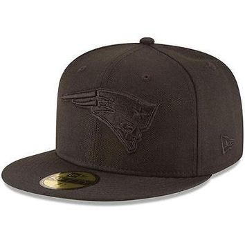 New England Patriots New Era 59FIFTY Black On Black Fitted Cap 5950 Hat Blackout