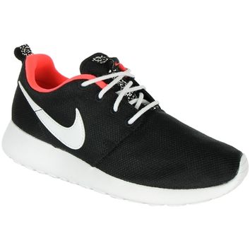 Baskets Femme Nike Roshe Run GS 005 Black White Hyper Punch - LaBoutiqueOfficielle.com