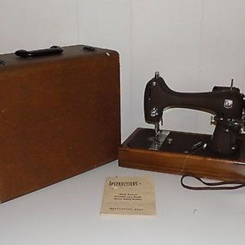 Vintage Montgomery Ward Model R Sewing Machine In Case