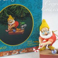 Enesco Disney Just Fore Christmas Ornament Doc Snow White and the Seven Dwarves Golf Squirrels