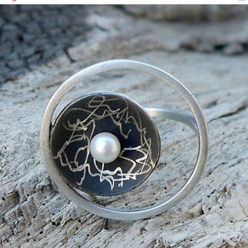 ON SALE Sterling silver ring with freashwater pearl - oxidized silver.