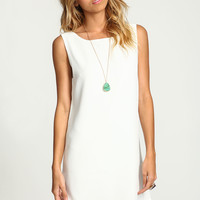 WHITE CROCHET SCOOPBACK SHIFT DRESS