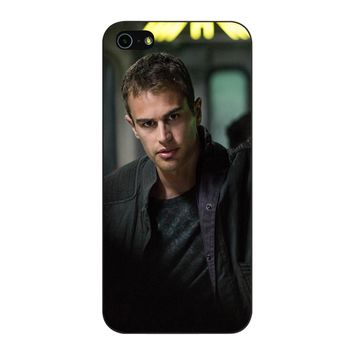 Theo James-Divergent  iPhone 5/5S/SE Case