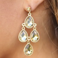 Drop on In Earrings in Topaz