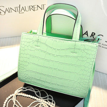 Women Classical Chic Bag On Sale = 4457571716