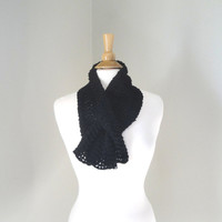 Black Keyhole Scarf, Pure Cashmere, Pull Through Scarf, Neck Warmer, Luxury Natural Fiber, Office, Women, Hand Knit