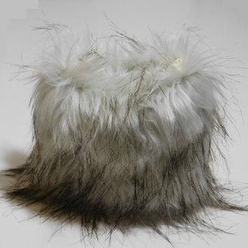 Super Soft! Faux Fur Cosmetic Pouch - Cosmetic Purse, Small Pouch, Travel Pouch, Light Silver Faux Fur
