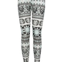 FULL TILT Medallion Geo Print Girls Leggings | Leggings & Capris