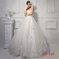Elegant Princess Strapless Lace Wedding Dress / Gown With Hand-made Flowers