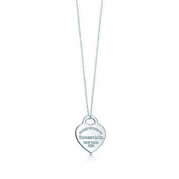 Tiffany & Co. - Return to Tiffany™ heart tag pendant in sterling silver, medium.