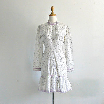 1960's White Dress / 60s dress / eyelet dress / mermaid dress / summer dress / garden wedding dress / lavender dress / small medium