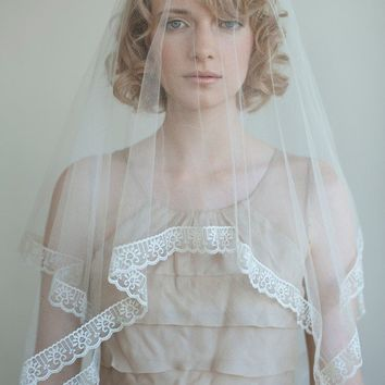 Bridal single layer silk veil Silk tulle with lace by myrakim
