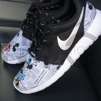 Nike Roshe Run Black White Mickey & Minnie Newspaper Print V5 Edition Custom