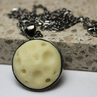 Full Moon Glow in the dark Pendant