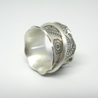 Vintage Inspired Sterling Silver Paisley Spinner Ring