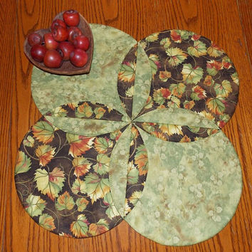 Fall Leaves Table Runner Topper Quilt