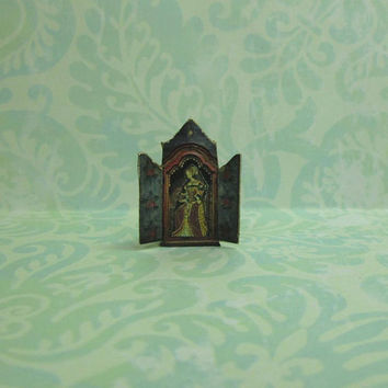 Dollhouse Miniature Reliquary Stand Up Decoration with Renaissance lady - B