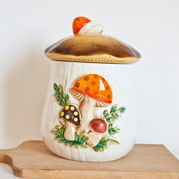 Merry Mushroom Replacement Kitchen Canister, Medium 1970's Retro Cookie Jar, Sears and Roebuck Japan