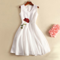 High-end temperament simple sleeveless Slim dress embroidered roses skirts