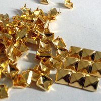300pcs 3/16 inch(6mm) Gold Pyramid Studs Rivet Buttons with 4 claws Nail Punk shoes cloth accessories DIY