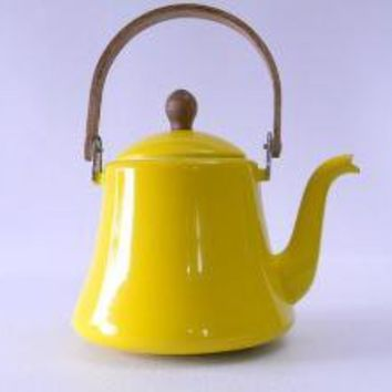 Vintage Yellow Tea Kettle by hattieshouse on Etsy