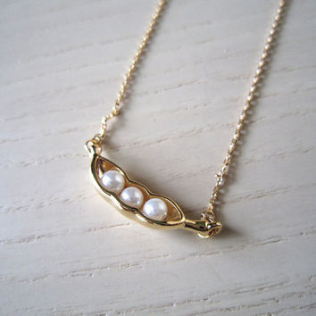 gold necklace-Three peas in a pod  in gold necklace-special necklace-wonderful gift