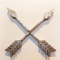 CROSS ARROW METAL WALL DECOR
