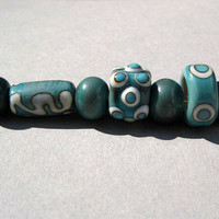 Handmade Glass beads green and Ivory lampworked glass bead set