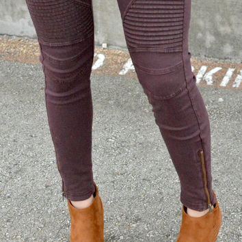 Set Me Free Jeggings - Merlot